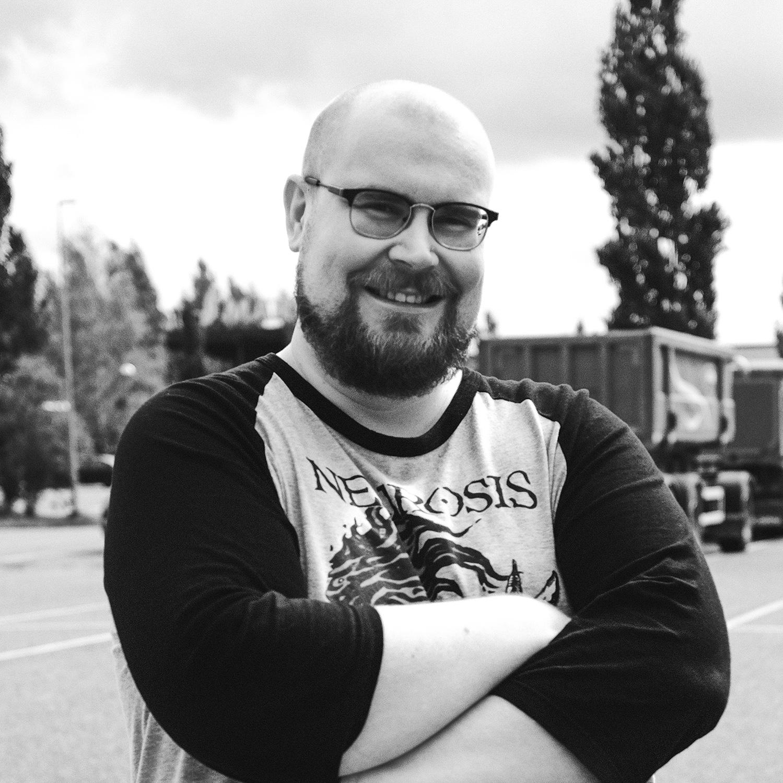 Ville Kujansuu, AD, graafinen suunnittelija, yrittäjä, MAK Media Oy